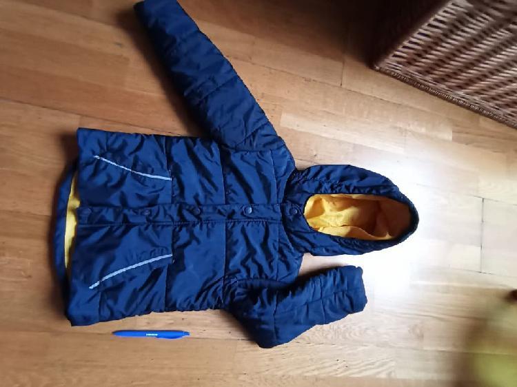 Abrigo niño azul marino y amarillo