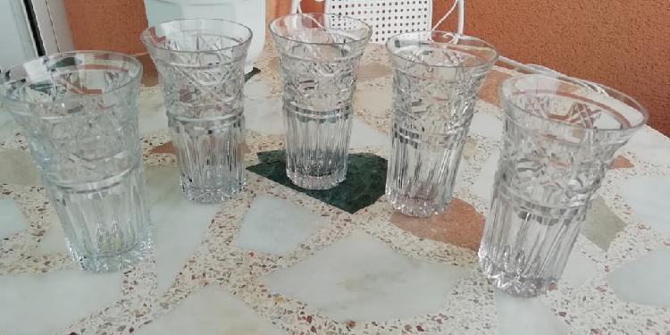 Jgo. de 5 vasos capovaret