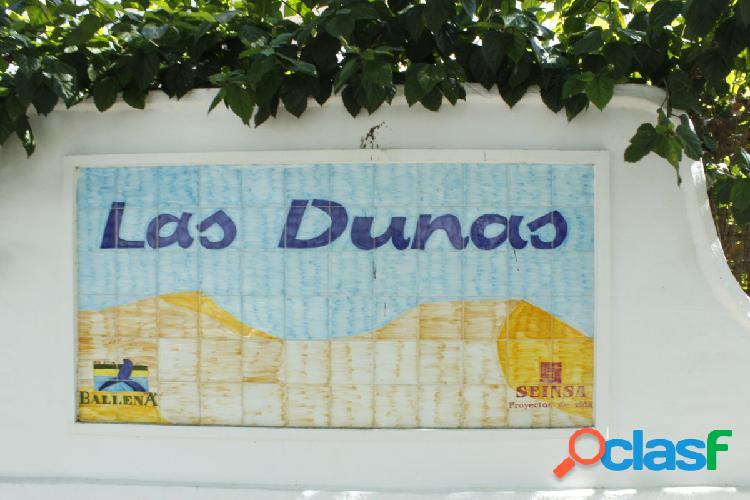 Avd reina sofia 3 dormitorio y 2 baños urbanización las dunas