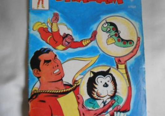 4 shazam y un libro de flash gordon