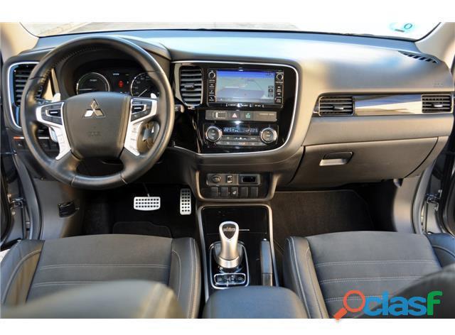 Mitsubishi Outlander PHEV Kaiteki 4WD 4