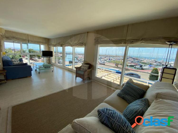 Magnífico apartamento en 1a línea de mar