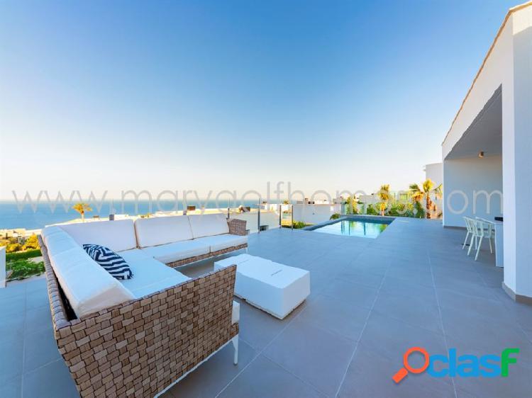 Luminosa villa de diseño moderno en cumbres del sol, alicante