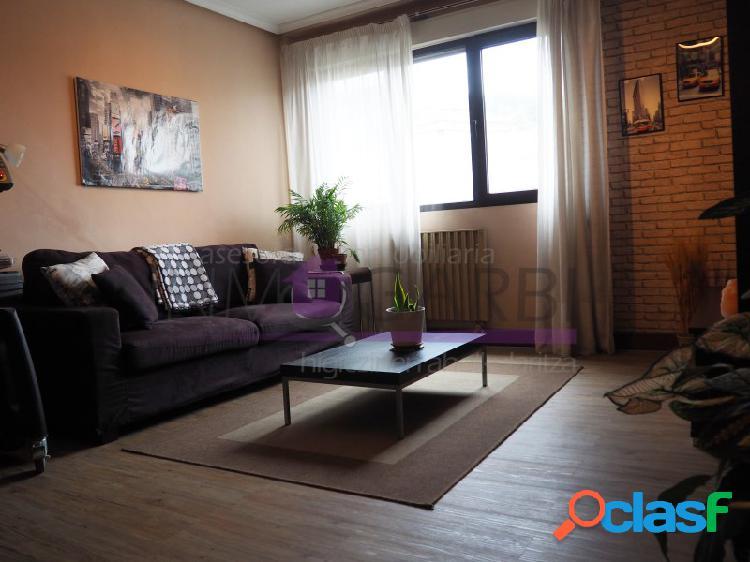 Vivienda de tres habitaciones y dos baños con vistas despejadas a beasain