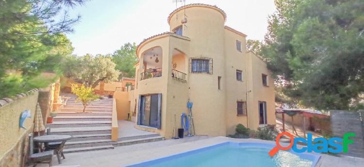 Casa independiente 6 dormitorios, piscina privada, en las filipinas - villamartin. orihuela costa