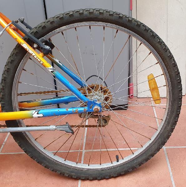 Dos ruedas de 24 pulgadascomo nuevas