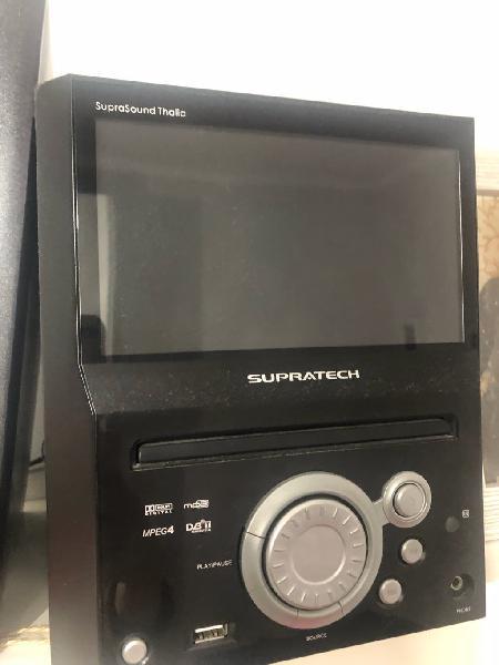 Equipo de música con mini tele añadida