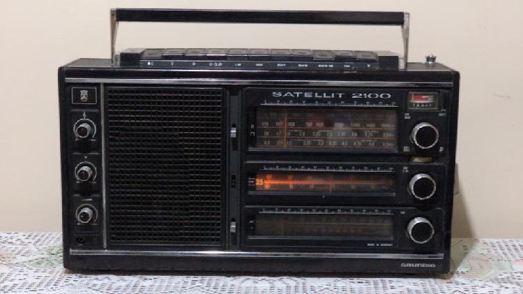 Radio multibanda satellit grundig 2100