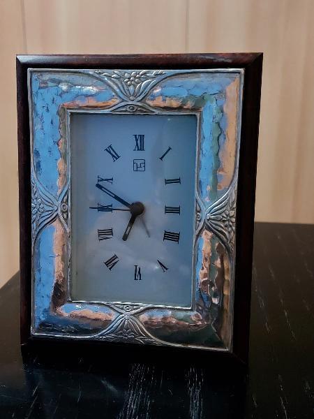 Reloj marco de 1plata ley y madera raíz.coleccion