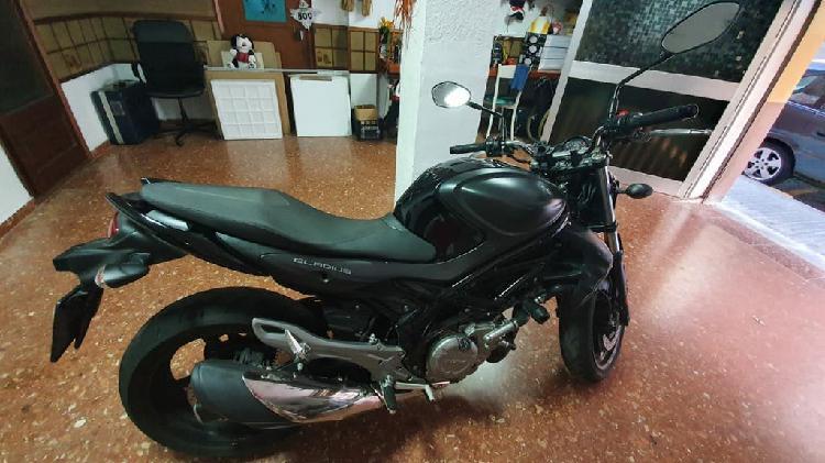 Suzuki gladius abs a2 color negro