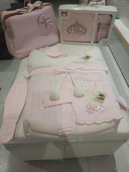 Lote bebe rosa y beis