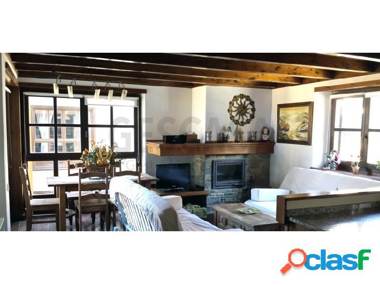Apartamento de dos dormitorios situado en la urbanizacion de val de ruda