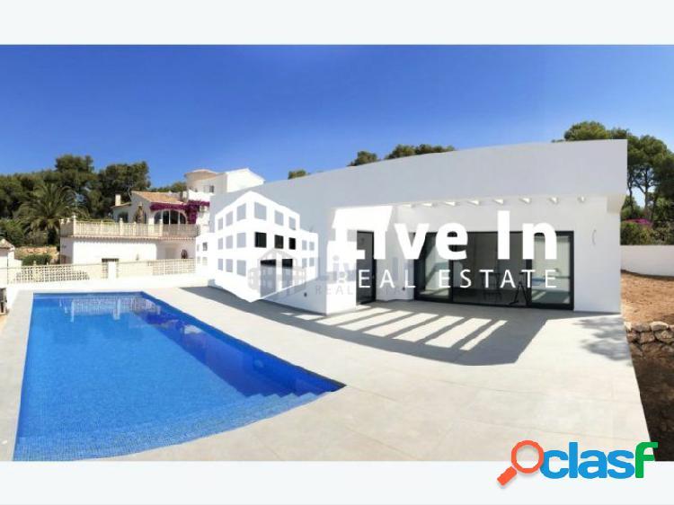 Chalet moderno de nueva construcción con piscina en jávea, costa blanca.