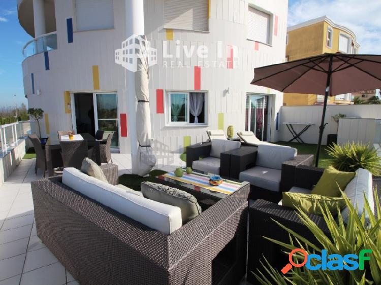 Venta de fantástico y soleado apartamento en oliva nova