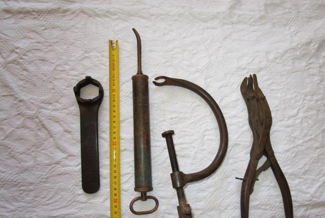 Lote conjunto de herramientas antiguas de taller coche moto.
