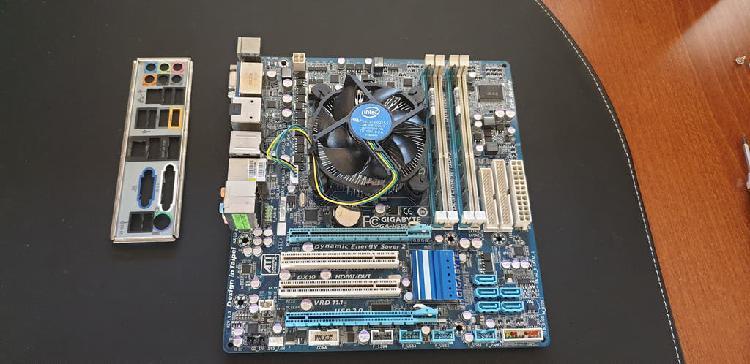 Placa base + micro i3 + disipador + 4 gb. de ram