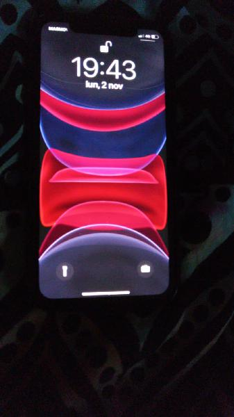 Iphone 11 64gb color red
