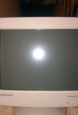 Samsung syncmaster 551 s