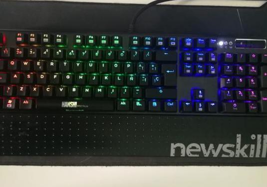 Teclado mecánico gaming - newskill