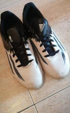 Botas de fútbol / zapatillas