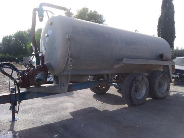 Cuba para tractor agudo de 10.000 litros.