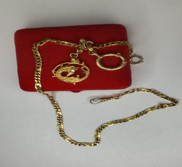 Cadena para reloj de oro con espectacular colgante