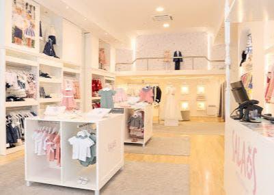 Mobiliario tienda-boutique moda infantil