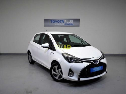 Toyota yaris 100h active