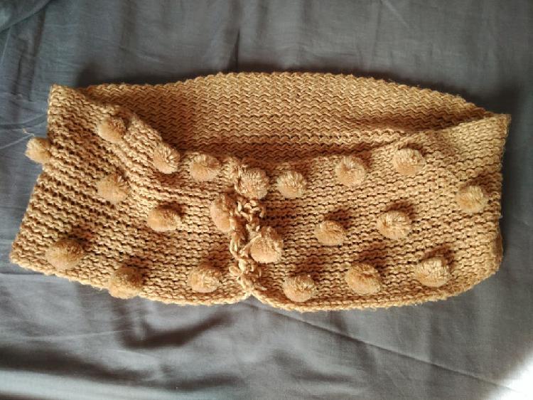 Bufanda/ cuello con pompones