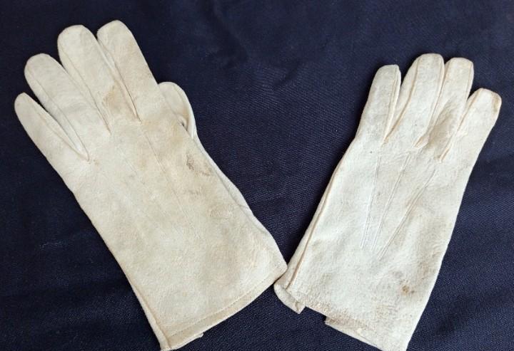 Antiguos guantes mediados s.xx