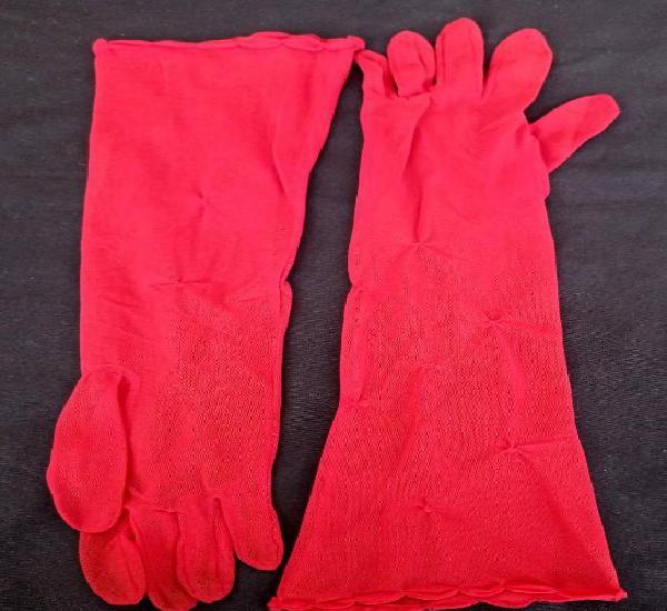 Elegantes guantes rojos