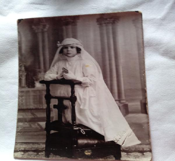 Foto antigua. niña de comunion.