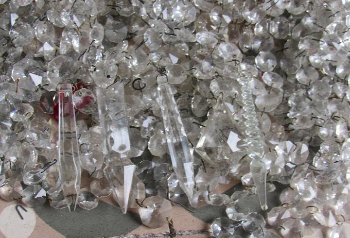 Gran lote de cristales para araña, no son de vidrio, sino