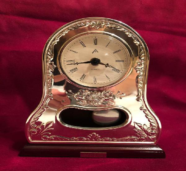 Reloj plata de ley 925. sobremesa. circa 2000. funcionando.