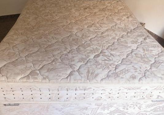 Cama canapé colchón de 1,50