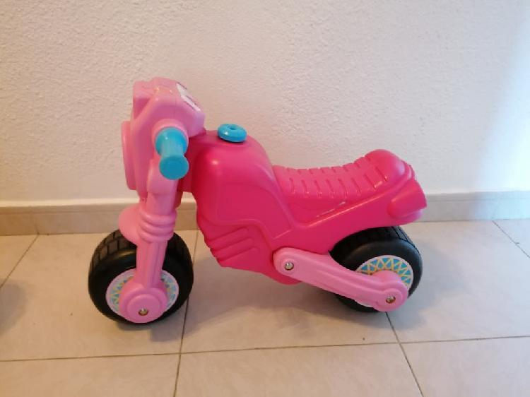 Moto bebé niña