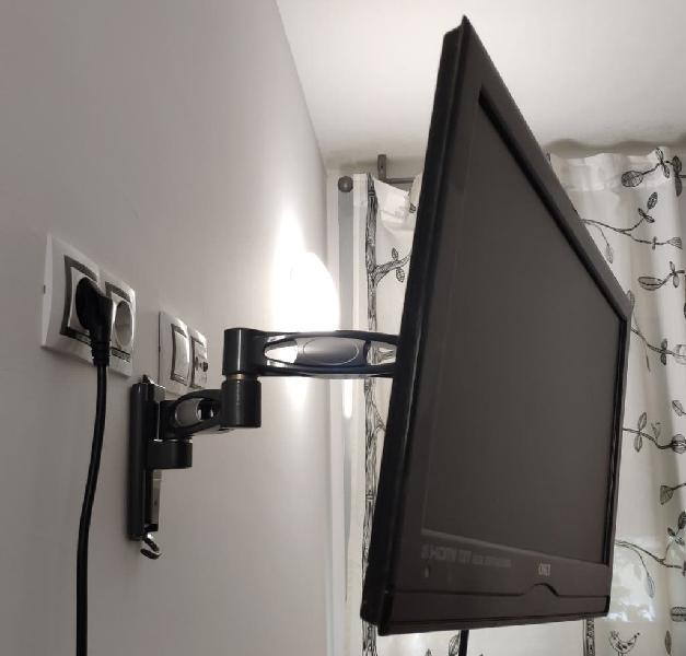 Televisor oki v19b-led4 + soporte para la pared