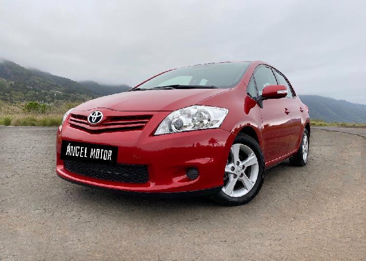 Toyota auris con 1 año de garantía! pocos kilómetros!