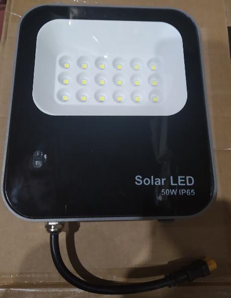 Foco solar 50w