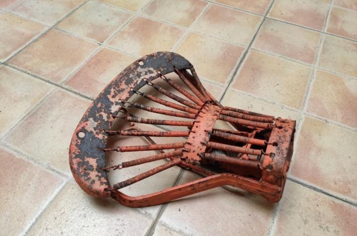 Esqueleto del asiento vespa 125