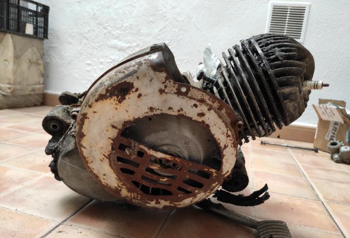 Motor vespa pk 75 s junior