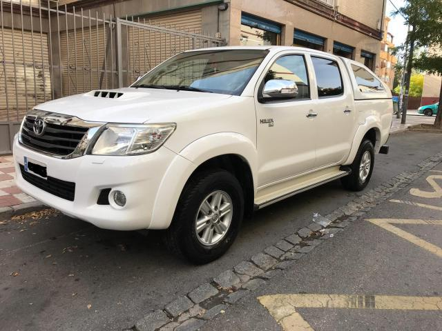 Toyota hilux toyota hilux doble cabina 4wd 144 d-4d leyenda