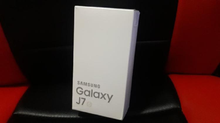 Samsung galaxy j7 2016 con funda original
