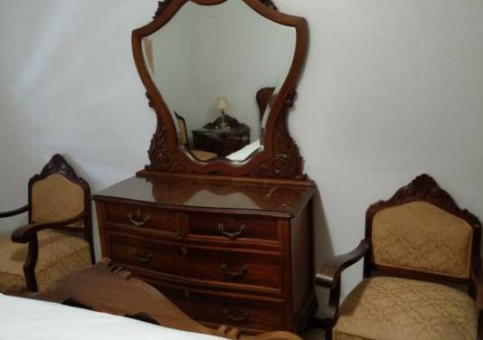 Dormitorio clásico madera noble (morera)