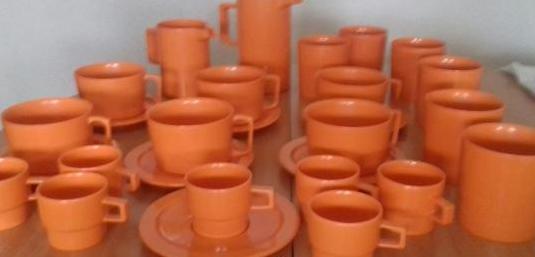Juego de Cafe de Plastico Duro