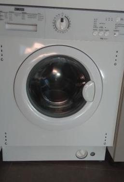 Lavadora zanussi integrable para reparar o piezas.
