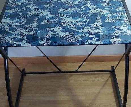 Mesa escritorio de cristal y aluminio