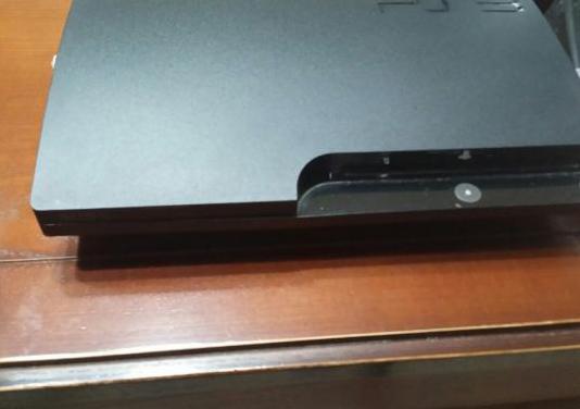 Play station 3. 500gb y un mando