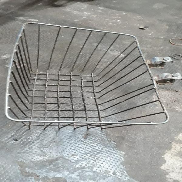 Cesta metalica para bicicleta