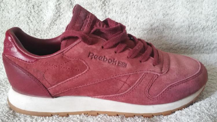 Reebok classic leather, color burdeos, talla 37